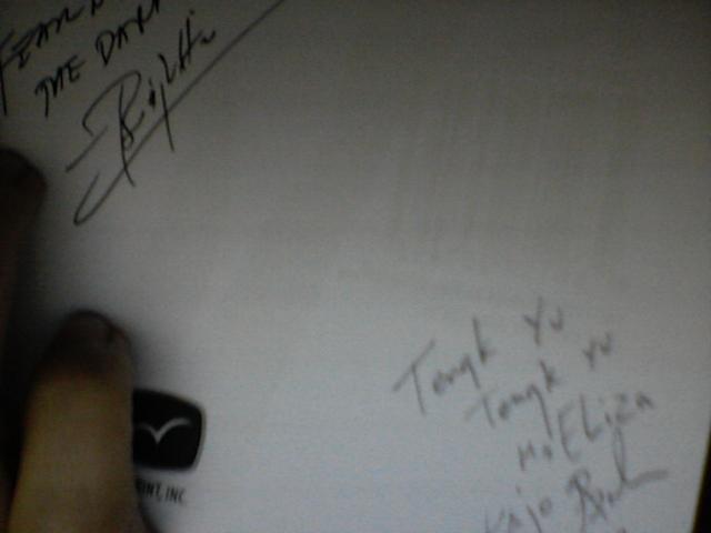 trese_autograph